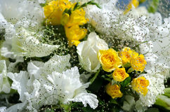 White and yellow flowers in the wedding floral decorations. Stock Photography