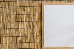 Whiteboard στο τυφλό υπόβαθρο μπαμπού στοκ φωτογραφία