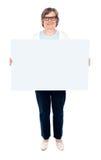 whiteboard пустой повелительницы удерживания старое сь Стоковые Фотографии RF