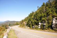 Whiteface山退伍军人纪念高速公路, NY,美国 免版税库存照片
