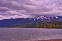 Whitefish sjö och Rocky Mountains Royaltyfri Foto