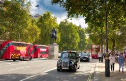 Whitehall, het Parlement Straat Londen Stock Afbeelding