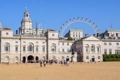 Whitehall, protetor de cavalo real Palace em Londres, Inglaterra foto de stock