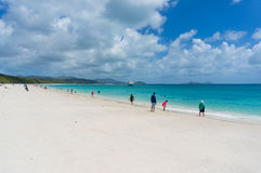 Whitehaven plaża z ludźmi Queensland, Australia Obraz Stock