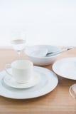 Whiteware na stole Fotografia Stock