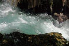 Whitewater av den Duden floden Arkivbilder