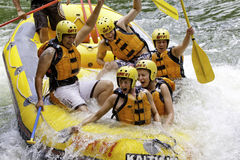 Whitewater, das auf dem Kaituna Fluss, Rotorua flößt Lizenzfreie Stockfotografie