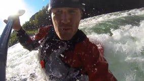 Whitewater kayaking, unikalny bobble kierowniczego widok zbiory