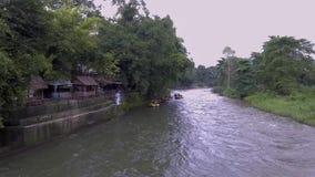 Whitewater sul fiume, Tailandia 2017: Il divertimento del rafting stock footage