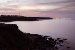 Whitley Bay zu Blyth an der Dämmerung Lizenzfreie Stockbilder