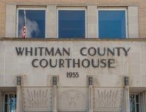 Whitman County Courthouse met vlag Stock Afbeeldingen