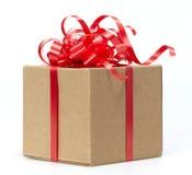 Whits van de Doos van de gift rood lint Royalty-vrije Stock Afbeeldingen