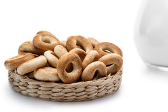 Whole bagels in a wicker basket Royalty Free Stock Images