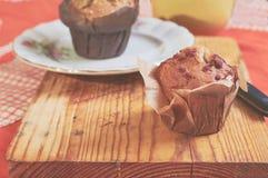 Whole-grain kaneel en appelmuffins met zaden royalty-vrije stock afbeelding