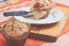 Whole-grain kaneel en appelmuffins met zaden royalty-vrije stock fotografie