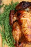 Whole roasted chicken with fresh vegetables Stock Images