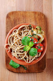Whole wheat spaghetti Royalty Free Stock Images