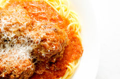 Whole wheat spaghetti and meatballs Stock Images
