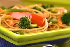 Wholegrain μακαρόνια με τα λαχανικά Στοκ φωτογραφίες με δικαίωμα ελεύθερης χρήσης