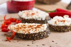 Wholegrain bröd med kryddor Fotografering för Bildbyråer