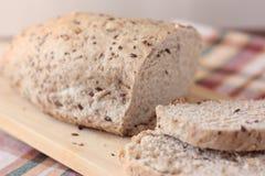 wholemeal хлеба отрезанный семенами Стоковые Фото