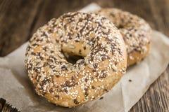 Wholemeal Bagels (εκλεκτική εστίαση) Στοκ Εικόνες