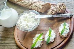 Wholewheat bread with cream cheese Royalty Free Stock Photo