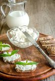 Wholewheat bread with cream cheese Royalty Free Stock Photography