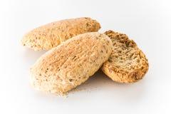 Wholewheat chips w bielu odizolowywającym Zdjęcie Royalty Free