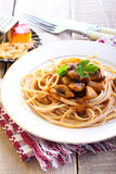 Wholewheat spaghetti and mushrooms Stock Photography