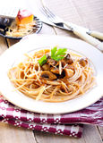 Wholewheat spaghetti and mushrooms Royalty Free Stock Photography