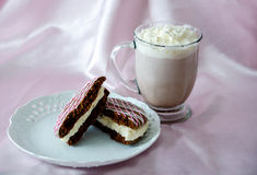 Whoopee pie and hot chocolate Royalty Free Stock Image
