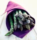 Wiązka świeży, zielony asparagus, Obraz Royalty Free