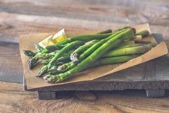 Wiązka gotujący asparagus zdjęcia royalty free