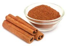 Wiązka niektóre świeży aromatyczny cynamon zdjęcie stock