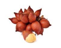 Wiązka salacca owoc na bielu zdjęcia stock