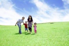 Więź szczęśliwa rodzina Zdjęcia Royalty Free
