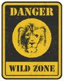 więcej mojego portfolio znak podpisuje ostrzeżenie niebezpieczeństwo sygnał z lwem Fotografia Stock