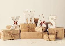 więcej toreb, Świąt oszronieją Klaus Santa niebo Bożenarodzeniowi prezenty z drewnianymi dekoracja listami - Zdjęcie Royalty Free