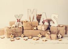więcej toreb, Świąt oszronieją Klaus Santa niebo Bożenarodzeniowy ciastko i prezenty z drewnianym decoratio Fotografia Royalty Free