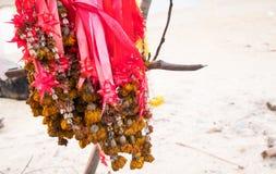 Więdnąca kwiat girlanda om drzewo Fotografia Royalty Free