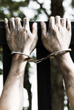 Więzień ręki pięcia ściana Zdjęcie Stock