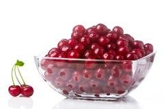 Wiśnie w sałatkowym pucharze (1) Fotografia Royalty Free