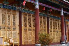 ?wi?tynia chabeta szczyt, tak?e zna? jako ??wi?tynia kamelie, monaster obok Baisha wioski, Lijiang, Yunnan, Chi fotografia royalty free