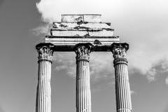 ?wi?tynia Rycynowy i Pollux, w?oszczyzna: Tempio dei Dioscuri Antyczne ruiny Roma?ski forum, Rzym, W?ochy Szczeg??owy widok fotografia royalty free