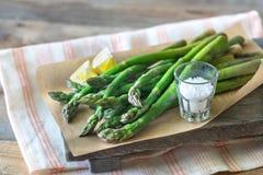 Wi?zka gotuj?cy asparagus obrazy royalty free