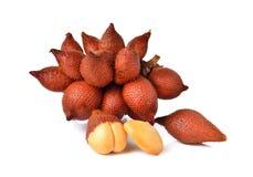 Wiązka salacca owoc na bielu Zdjęcia Royalty Free