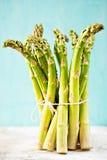 Wiązka zielony asparagus obrazy stock