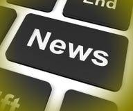 Wiadomość klucz Pokazuje gazetce Wyemitowany Online Obraz Stock