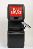 Wiadro usługa przy benzynową stacją Obrazy Stock
